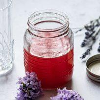 Faites votre propre sirop de rhubarbe à la vanille, pour vos desserts, cocktails, mocktails